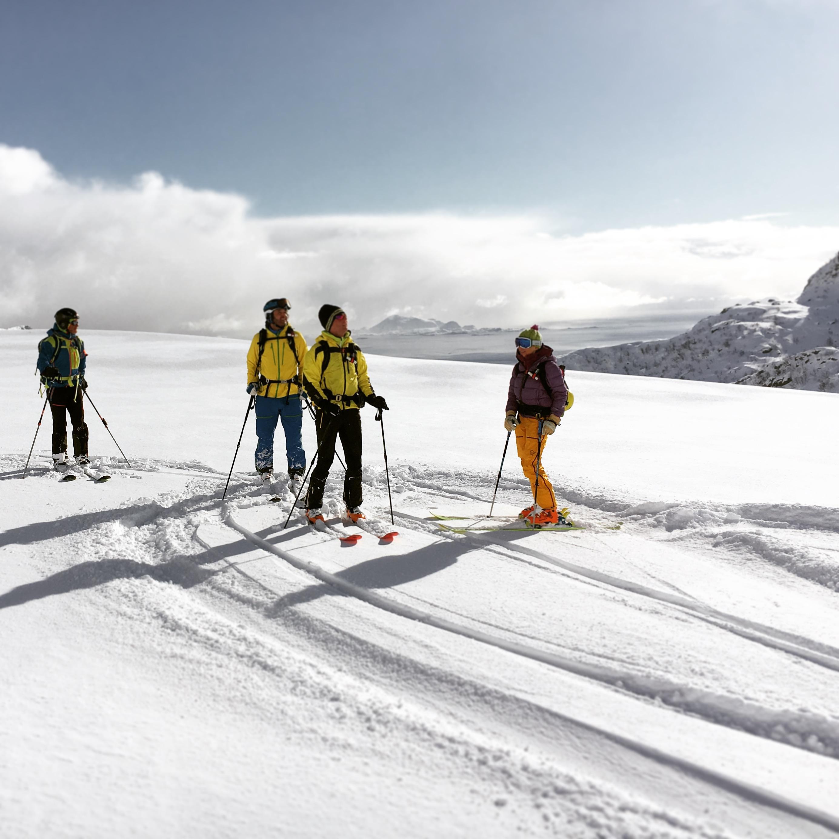Lofoten Skitourenreise Bergführer Alpinschule Alpinstil